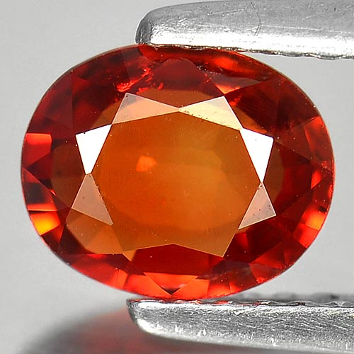 1.04 CT. STUNNING CLEAN OVAL ORANGE RED SAPPHIRE