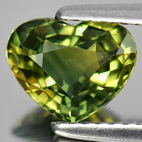 1.62 Ct. Attractive Natural Yellow Green Sapphire Gem