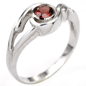 Attractive Natural Round Red GARNET Solid Silver Ring