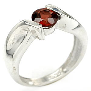 STUNNING RED GARNET WHITE GOLD PLATED SILVER RING Sz 6.5