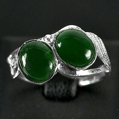 3.10 G. Bewitching Natural Green Jade Sterling Silver Ring Size 8