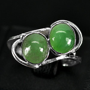 3.05 G. Beautiful Natural Green Jade Sterling Silver Ring Size 7.5