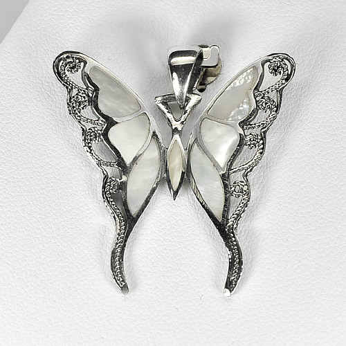 4.74 G. Natural Shell 925 Silver Jewelry Pendant Butterfly Beauteous