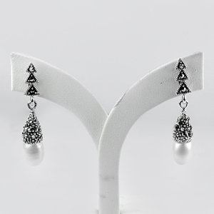 3.82 g. New Design Cute White Pearl Marcasite 925 Silver Jewelry Earrings