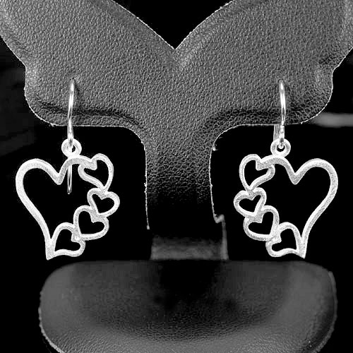 2.34 G. Real 925 Sterling Silver Fine Jewelry Earrings Heart Desing Beautiful