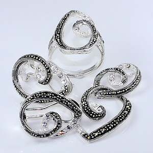 14.89 G. Alluring Marcasite 925 Silver Jewelry Sets Pendent Ring Earrings