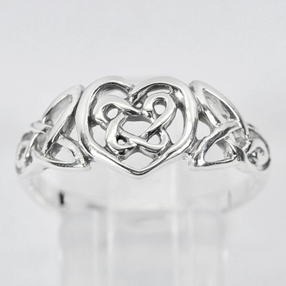 2.59 G. Real 925 Sterling Silver Celtic Knot Heart Ring Size 7 Thailand