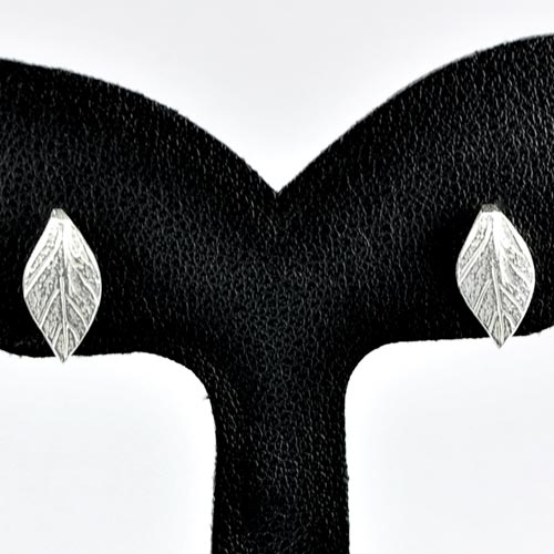 0.93 G. 1 Pair Real 925 Sterling Silver Leaf Stud Earrings Lovely Thailand