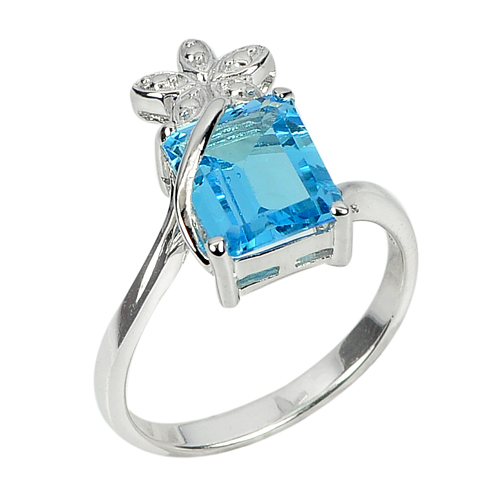 3.83 G. Beautiful Natural Gem Swiss Blue Topaz 925 Sterling Silver Ring Size 8
