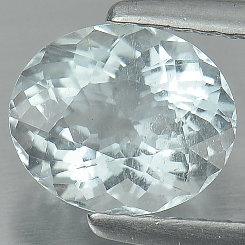 1.20 Ct. Oval Natural Light Blue Aquamarine Gem Unheated