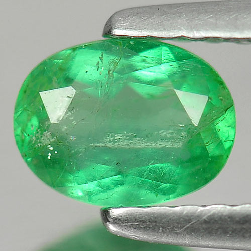 0.54 Ct. Attractive Oval Shape Natural Gemstone Green Emerald Unheated