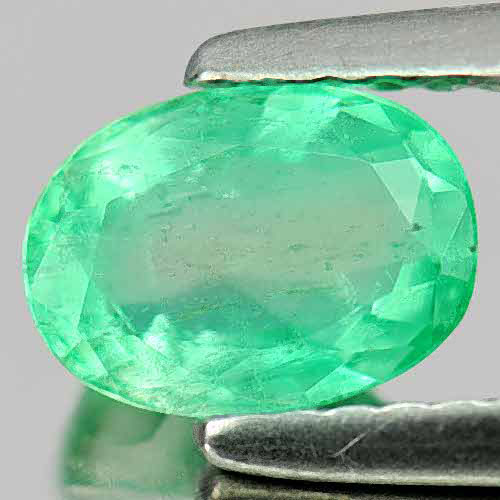 0.81 Ct. 7 x 5 Mm Oval Natural Rich Green Emerald Gem