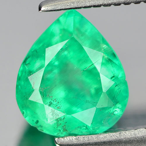 1.25 Ct. Stunning Natural Green Emerald Gemstone Heart Shape Unheated