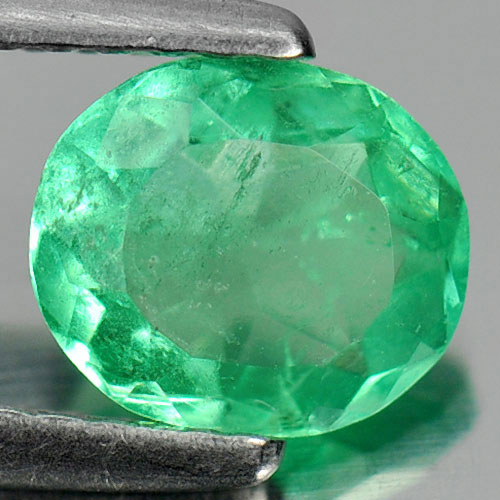 0.91 Ct. Natural Green Emerald Gemstone Oval Shape