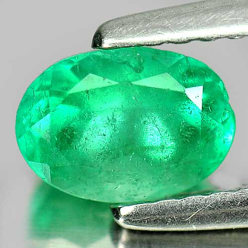 0.73 Ct. Oval Shape Natural Gemstone Green Emerald Unheated
