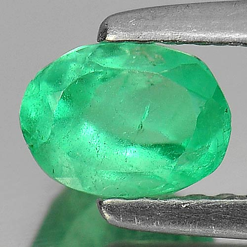 0.59 Ct. Oval Shape Natural Gremstone Green Emerald Unheated