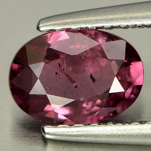 0.91 Ct. Oval Natural Purple Pink Rhodolite Garnet Gem