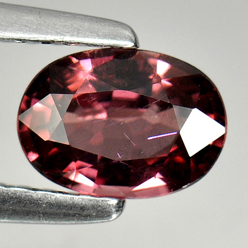 0.90 Ct. Oval Natural Purple Pink Rhodolite Garnet Gem