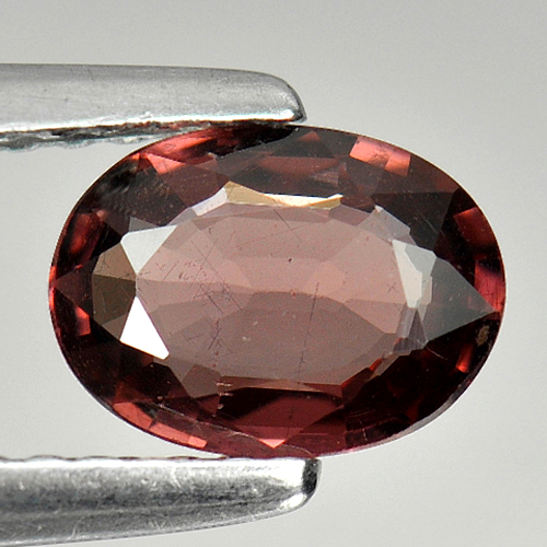 0.85 Ct Oval Natural Purplish Pink Rhodolite Garnet Gem