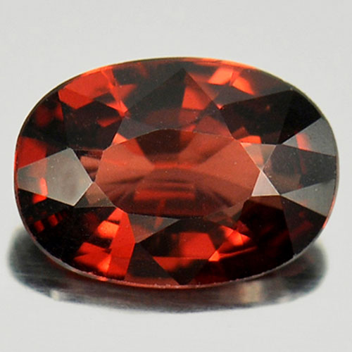 0.92 Ct. Oval Natural Purplish Red Rhodolite Garnet Gem