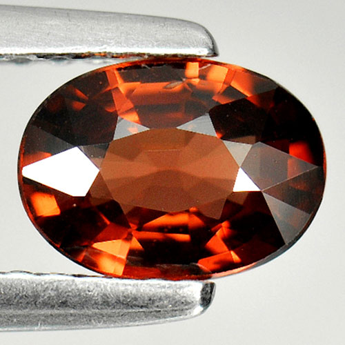 0.86 Ct. Oval Natural Purplish Red Rhodolite Garnet Gem