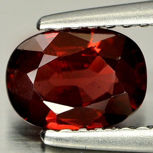 0.92 Ct. Oval Natural Orangish Red Rhodolite Garnet