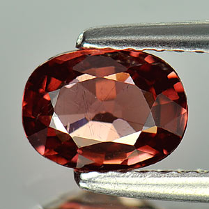 0.93 Ct Oval Natural Purplish Red Rhodolite Garnet Gem