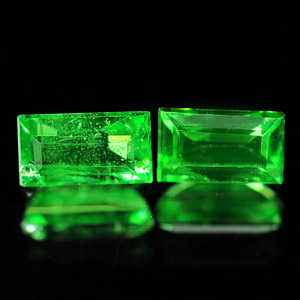 0.48 Ct. 2 Pcs. Baguette Natural Green Tsavorite Garnet