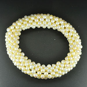 169.80 Ct. Good Natural White Pearl Bracelets Thailand