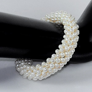 168.15 Ct. Good Natural White Pearl Bracelets Thailand