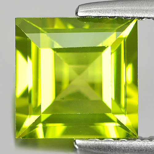 1.75 Ct. Natural Gemstone Green Peridot Square Cut Unheated