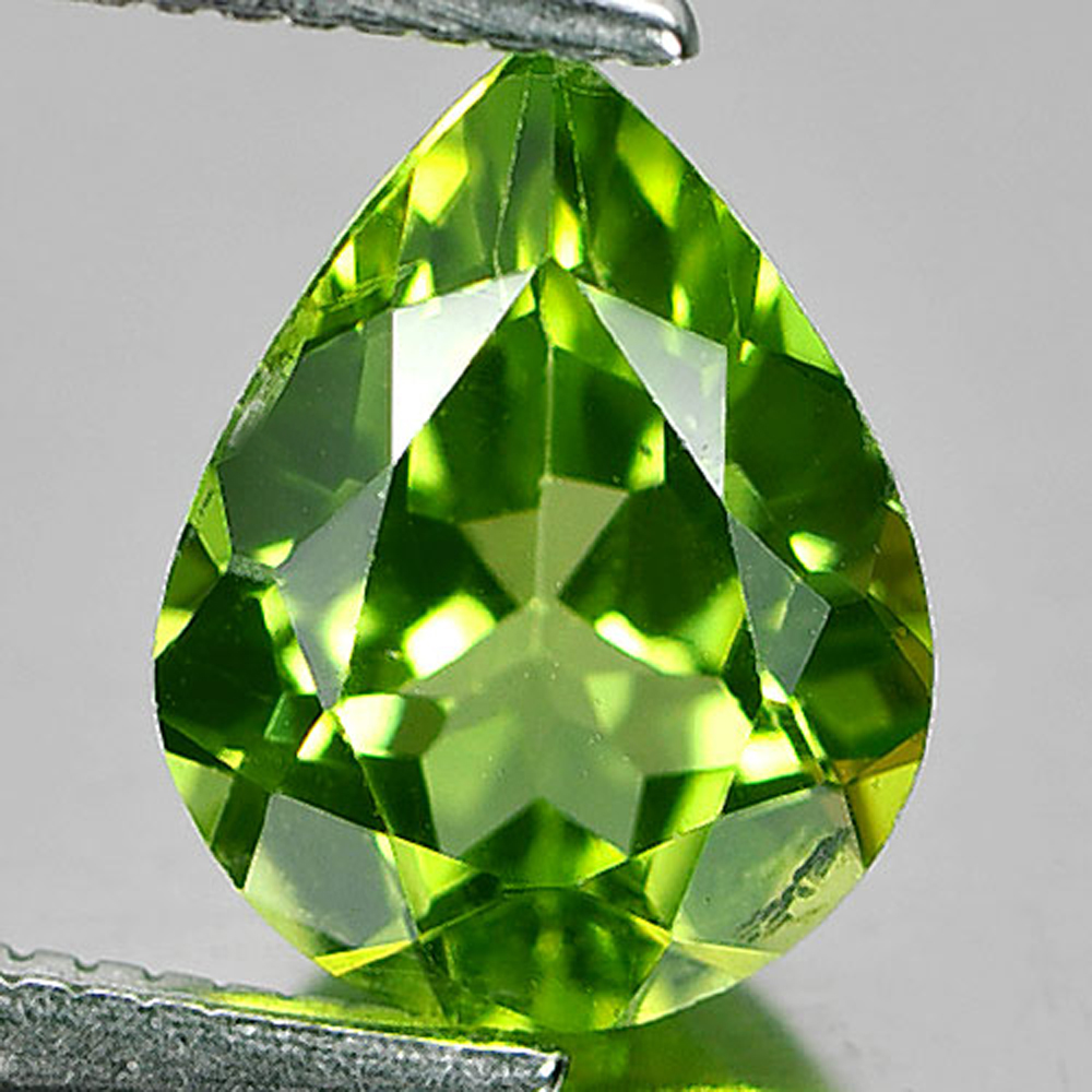 1.67 Ct. Pear Shape Natural Green Peridot Gemstone Unheated