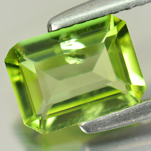 Nice Gemstone 1.41 Ct. Natural Green Peridot Octagon Shape