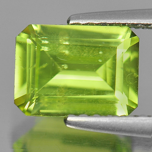 1.39 Ct. Octagon Shape Natural Gemstone Green Peridot Unheated