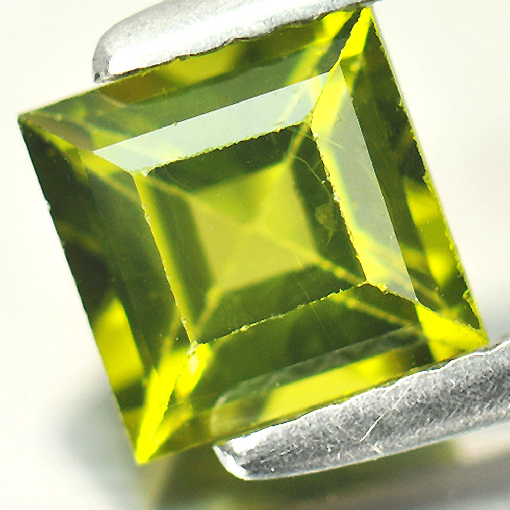 1.26 Ct. Square Natural Gemstone Green Peridot Size 6 x 6 x 4 Mm.