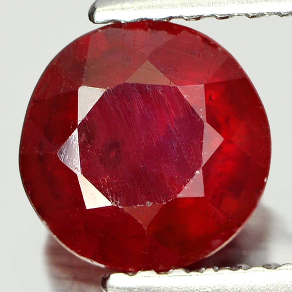 1.63 Ct. Alluring Round Shape Natural Gemstone Purplish Red Ruby