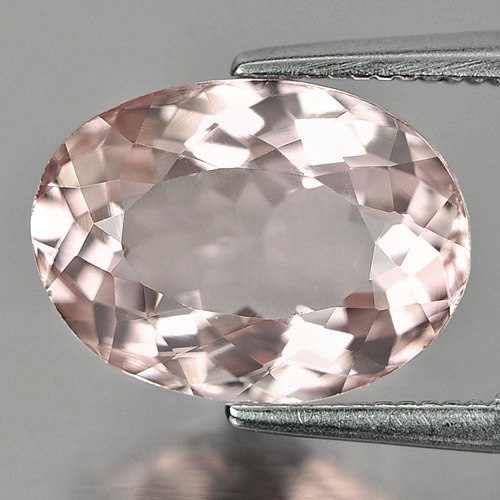 3.61 Ct.  Clean Natural Gemstone Peach Pink Morganite Oval Shape Unheated